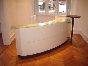 m belimperium tresen arzttheken empfangstresen hochglanz wei tresen10093. Black Bedroom Furniture Sets. Home Design Ideas