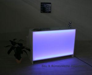 glas beleuchtet excellent coole wohnzimmer ideen fr moderne wohnzimmer einrichtung mit. Black Bedroom Furniture Sets. Home Design Ideas